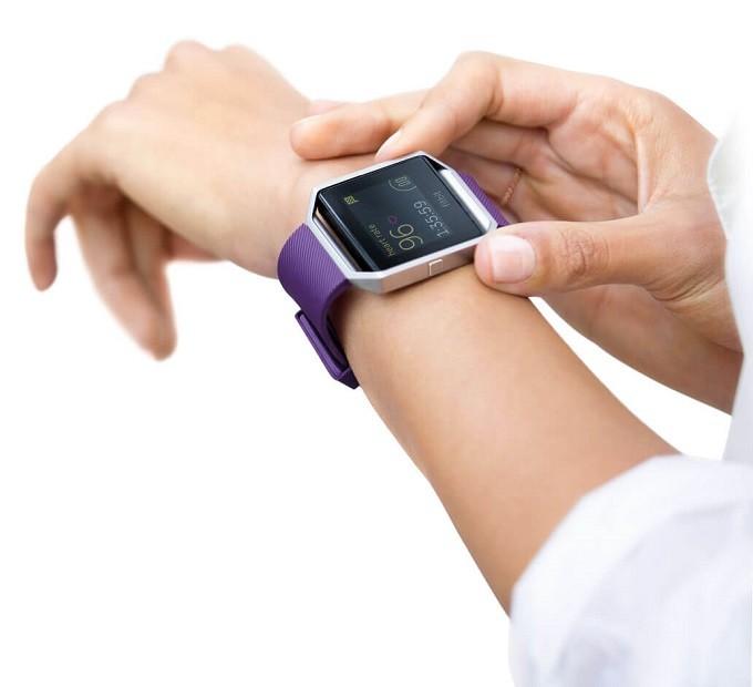 Test de la Blaze Fitbit : cette montre a-t-elle plus que du style ?