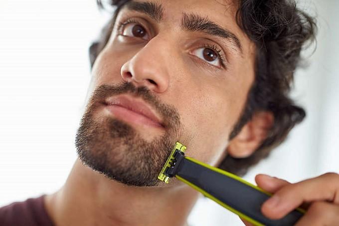 Philips OneBlade, le rasoir qui fait vibrer le poil pour mieux le couper