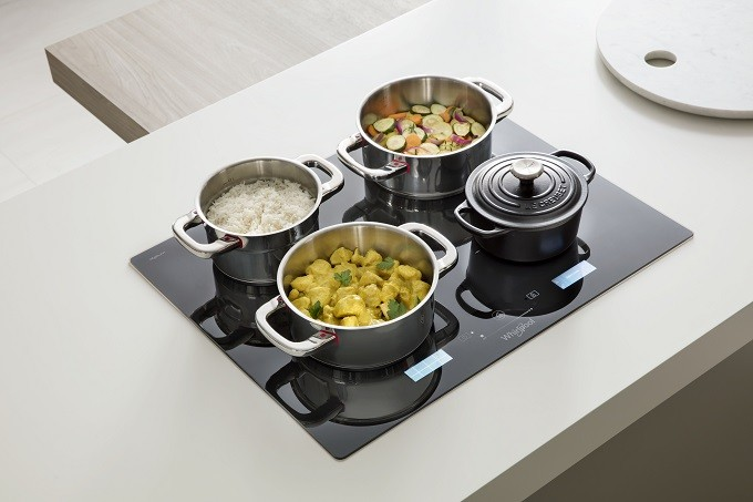 Whirlpool W Collection, une table de cuisson intelligente au toucher
