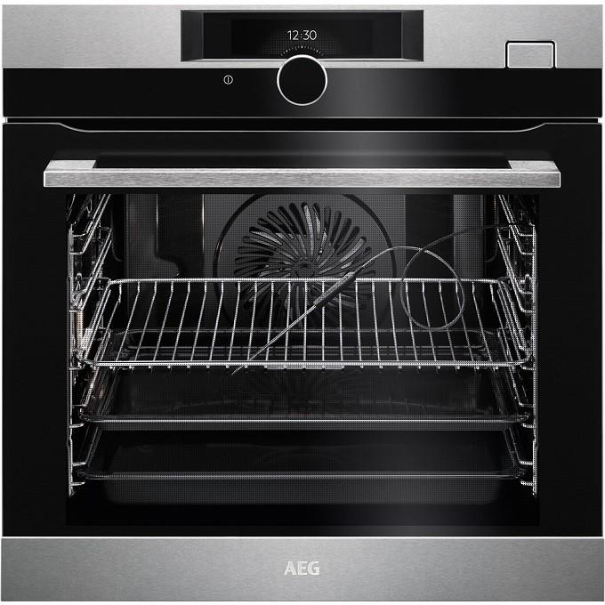 Four AEG SenseCook, sonde de cuisson pour haute précision