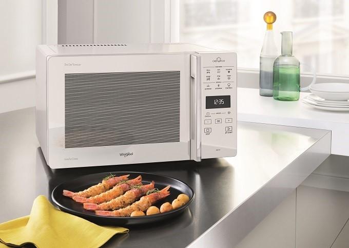 Whirlpool ChefPlus, le four micro-ondes qui fait aussi croustiller les plats