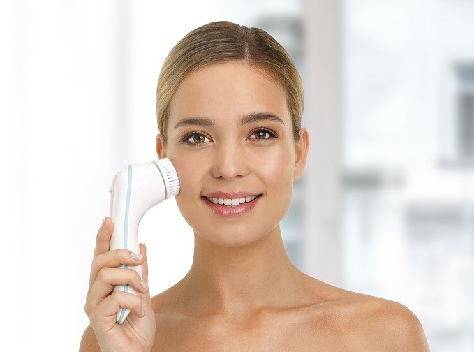 Silk'n Pure Deluxe, une brosse multifonction qui assure un soin du visage complet