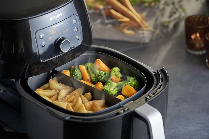 Philips Airfryer XXL, pour cuire frites légères et poulet entier