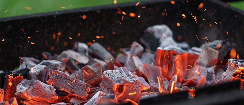 Comment choisir son barbecue à charbon de bois ?