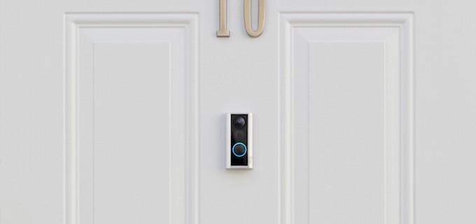 Ring Door View Cam, un portier vidéo complet, sans fil à la patte