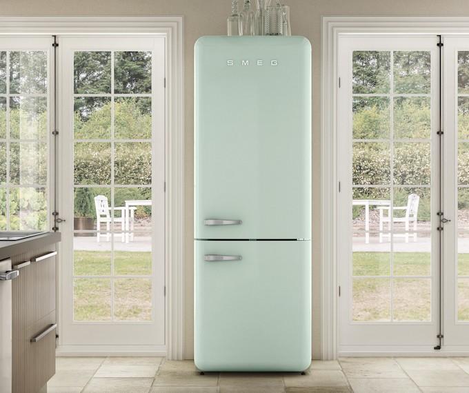 Réfrigérateurs combinés Smeg FAB38 et FA490, la technologie a aussi du style