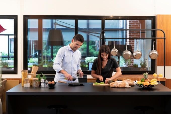 Cuire ses plats sur plan de travail ? L'innovation Versâtis récompensée au Sadecc